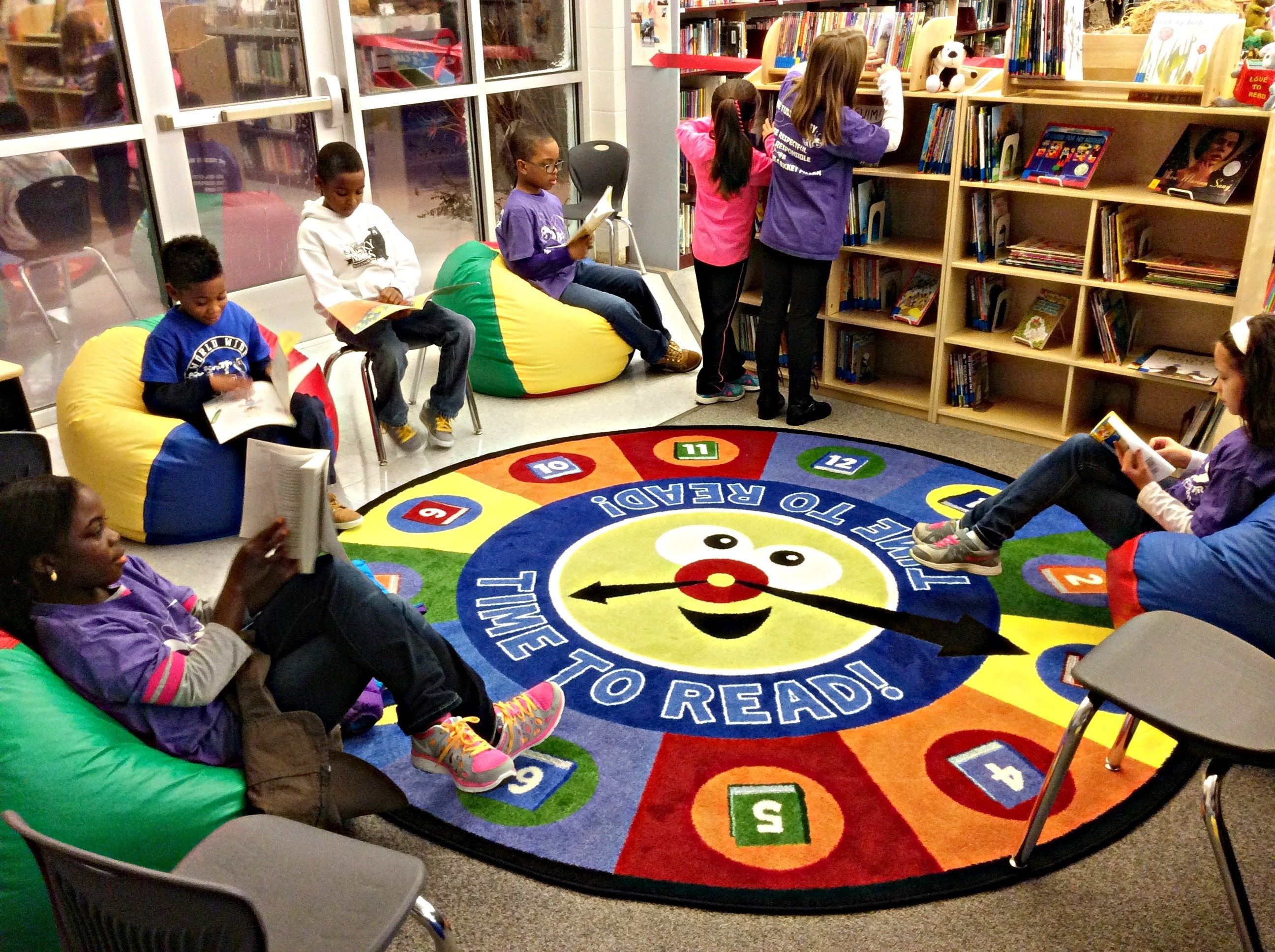 Students reading in the Tussing Reading Oasis