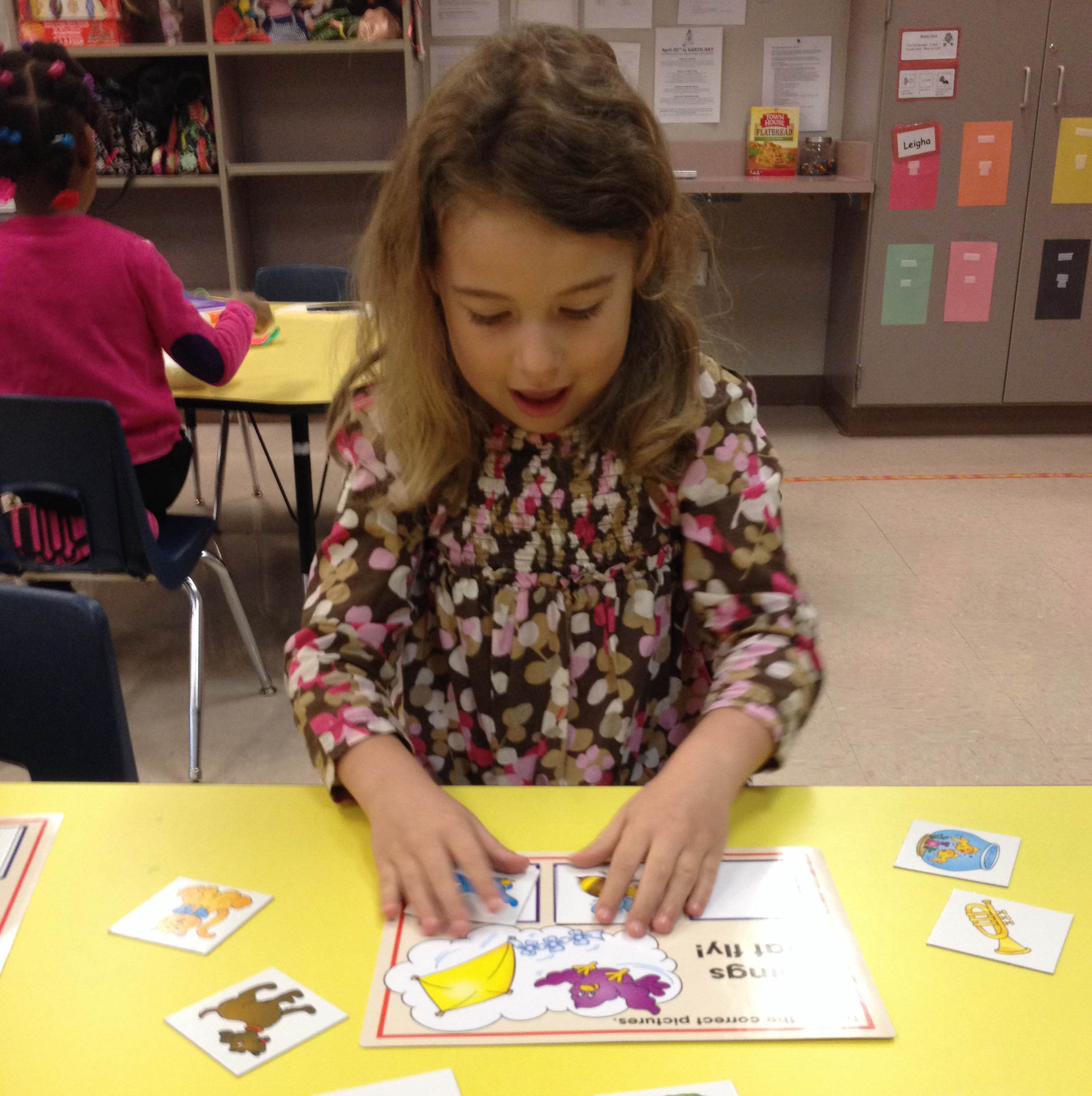 Image of preschool student sorting
