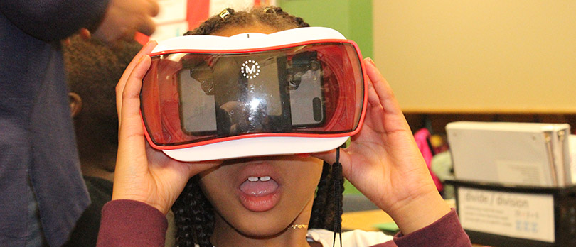 Student learning with virtual reality